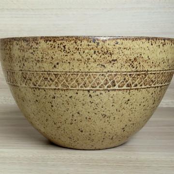 Tigela de cerâmica