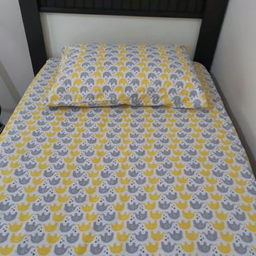 Lençol elástico de mini cama e fronha