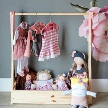 Cabideiro infantil Araea montessori para roupas de criança