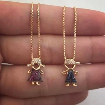 Colar Menino ou Menina Cravejados com Pedras Banhado a Ouro