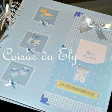 Álbum para fotos de bebê em Scrapbook