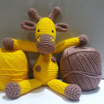 Boneco Girafa de Crochê - Amigurumi
