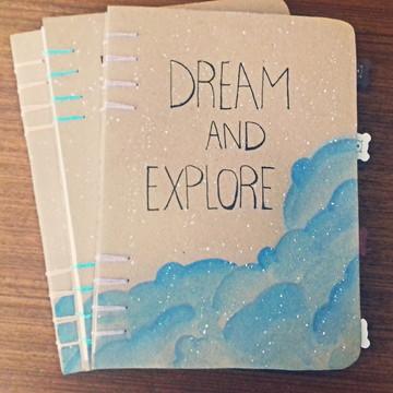 Caderno costurado a mão