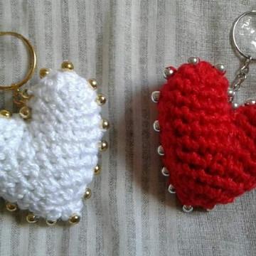 Chaveiros Corações com Miçangas em Crochê Amigurumi