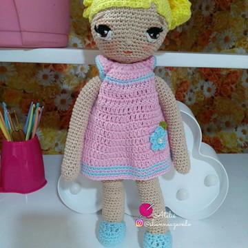 Boneca de Crochê Doll Amigurumi olho bordado