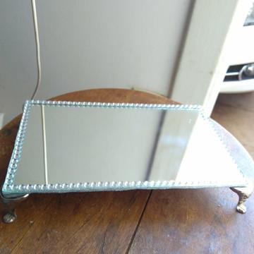 Bandeja espelhada com Strass e pés de metal