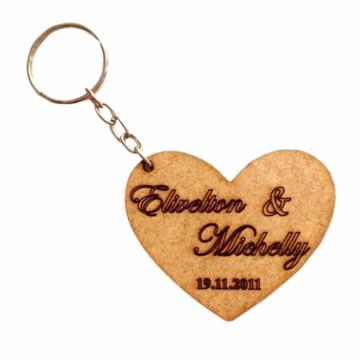 Chaveiros em MDF para casamento e noivado