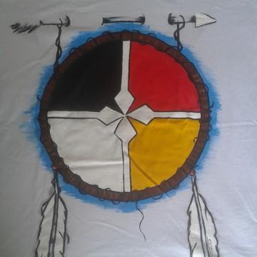 camisetas com pinturas artesanal ,com pincel tamnho m