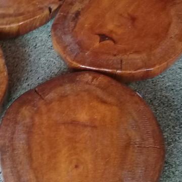 Bolacha de madeira maciça