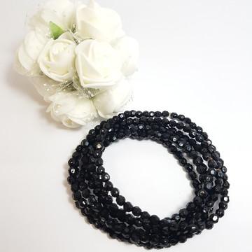 pulseiras com miçangas pretas
