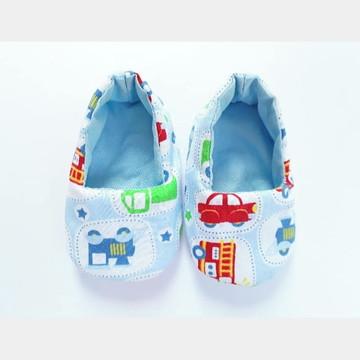 Sapato de bebê em tecido - Carrinhos