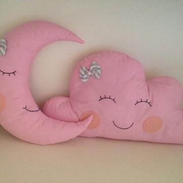 Almofadas nuvem e lua rosas