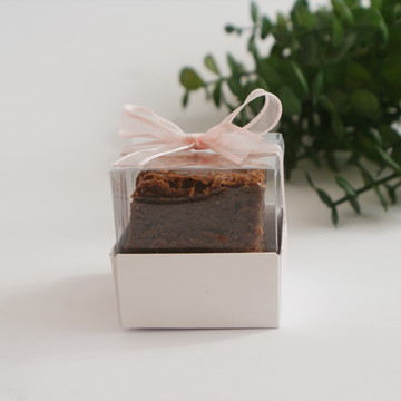 Caixinha de Brownie para lembrancinha de maternidade