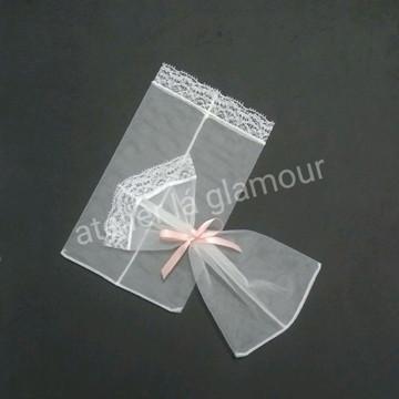 Saquinho com renda na borda 9×13cm