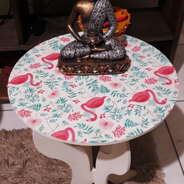 Mesa decorada em MDF