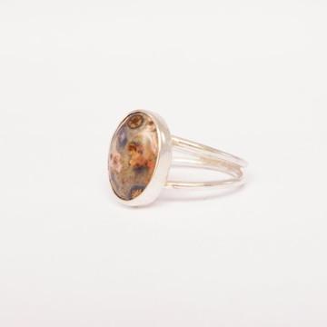 Anel de prata com pedra natural