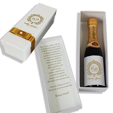 Caixa convite padrinhos brasão dourado