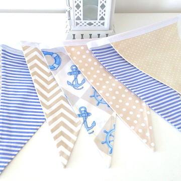 Bandeirolas em tecido azul e bege