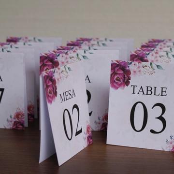 Número de mesa para casamento roxo