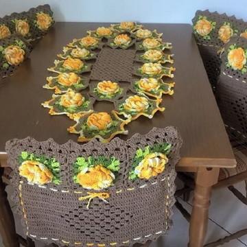 Conjunto capas de cadeira e caminho de mesa