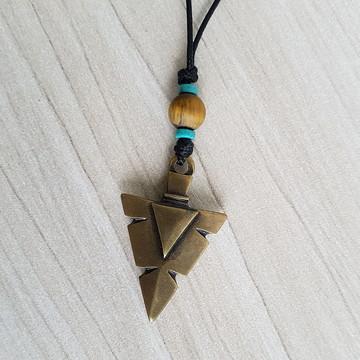 Colar cordão masculino ponta flecha tribal e pedras naturais