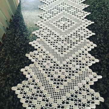 Trilho de mesa em croche