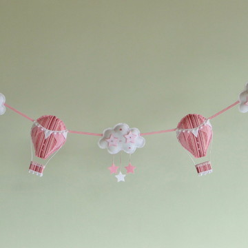 Varal Feltro BALÕES e NUVENS Rosa e Branco