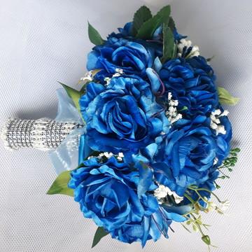 Buque rosas de azul