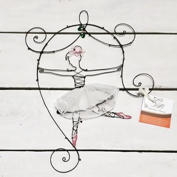 Decoração / Escultura em Arame - Bailarina