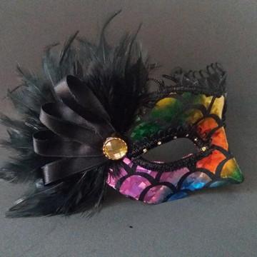Mascara veneziana luxo escama