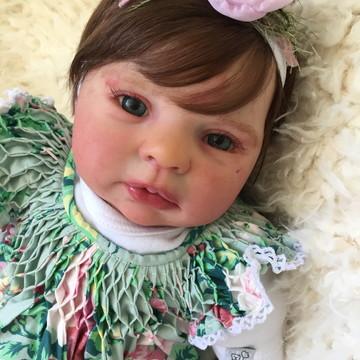 Boneca Bebê Reborn Lara Kit Honey parece de verdade
