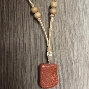 Cordão com pedra do sol - bege