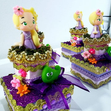 Princesa Rapunzel - Lembrança de Luxo