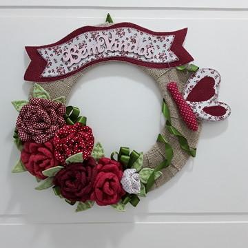 Guirlanda para porta flores em tecido