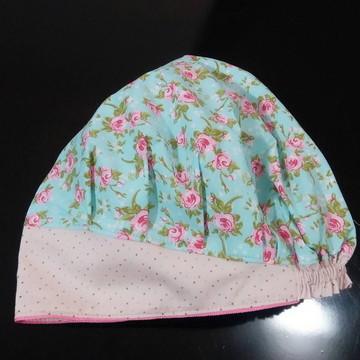 Touca cirúrgica flores e poás rosa