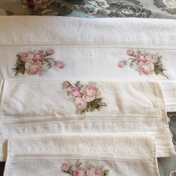 Jogo de toalhas decoradas