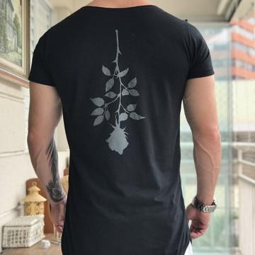 a36ed6b3c Camiseta Oversized Longline Alongada Masculina com rosa