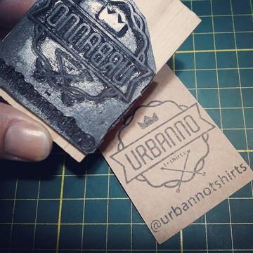 Kit Carimbo + Carimbeira + Tags de papel kraft