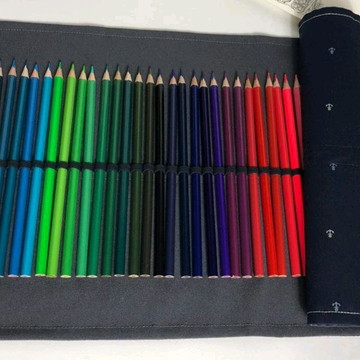 Estojo rolinho para lápis