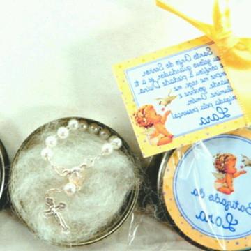 Lembrancinha latinha personalizada+terço,brinde,batismo,cris
