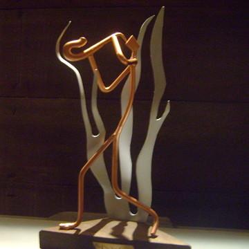 """Escultura em ferro e madeira """"Saxofonista"""""""