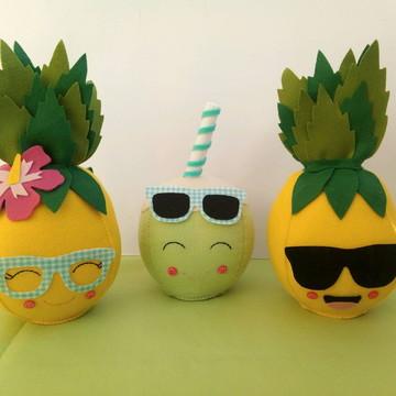 Abacaxi e coco de feltro para decoração