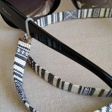 Cordinha para óculos em cordão étnico preto e creme