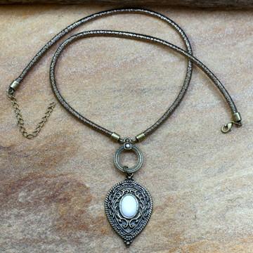 Colar gota ouro velho bijuterias acessorios femininos