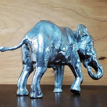 Elefante em alumínio