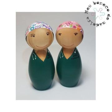 Bonecos de madeira - Personalizados. MÉDICA