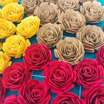 Aplique de mini flores de papel para scrap