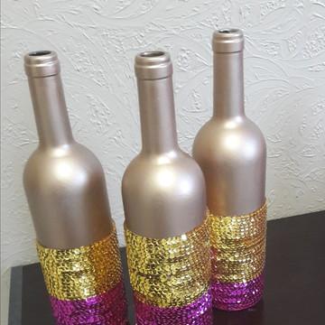 Conjunto de garrafas decoradas lantejoulas