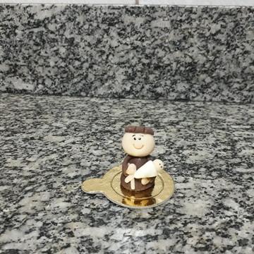 Docinho modelado de leite ninho santo antônio 3d