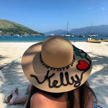 Chapéu de praia personalizado com nome e desenhos